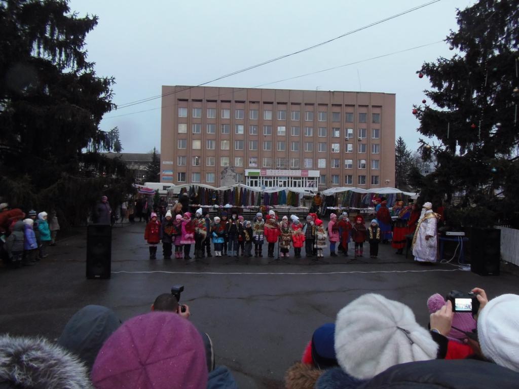 Новорічна ялинка День Святого Миколая 5