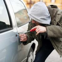 викрадення автомобіля