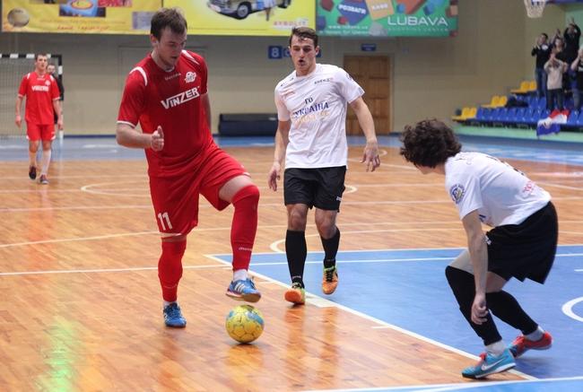 Дніпро - Ураган 2-4 Першість Черкас з футзалу 14-15 9 тур 03