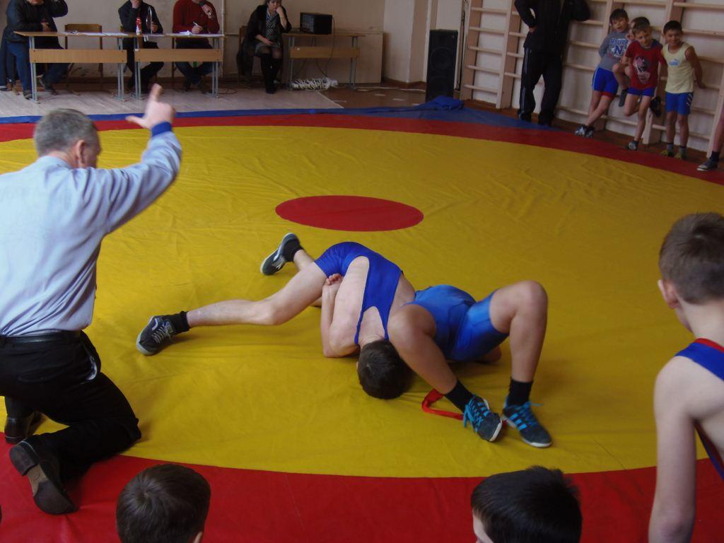 першість черкащини з греко-римської боротьби 2015 10