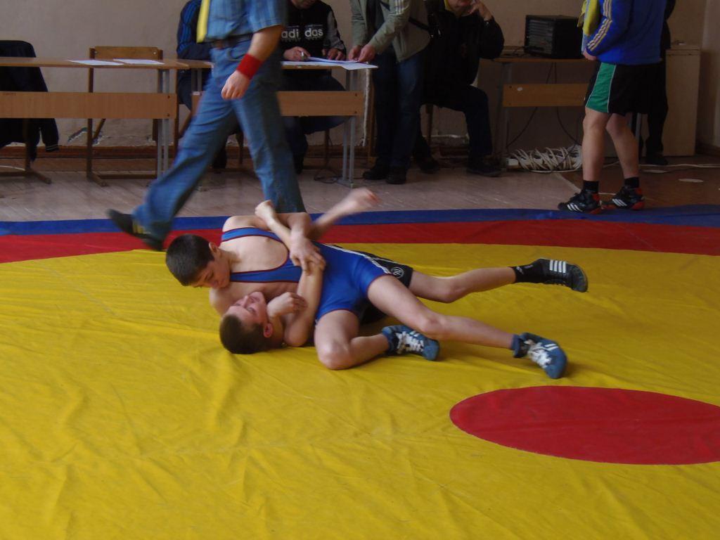 першість черкащини з греко-римської боротьби 2015 4