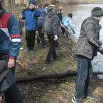 Школярі-екологи з Кропивни наводять лад у селі [ФОТО]
