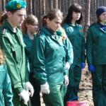 Коробівські діти навчали чиновників саджати ліс [ФОТО]