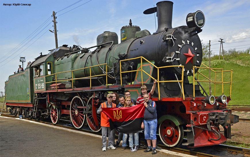 Ретро потяг Золотоноша 18