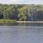На березі Дніпра у Чапаєвці конфісковано нелегальний платний пляж
