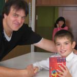 До другої школи завітав волонтер, автор книги про полон у терористів [ФОТО]