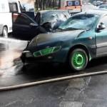 Рятувальникам довелось розрізати автомобіль після ДТП у Чапаєвці [ВІДЕО]
