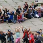 Американська молодь розважала дітей у літньому таборі [ФОТО]