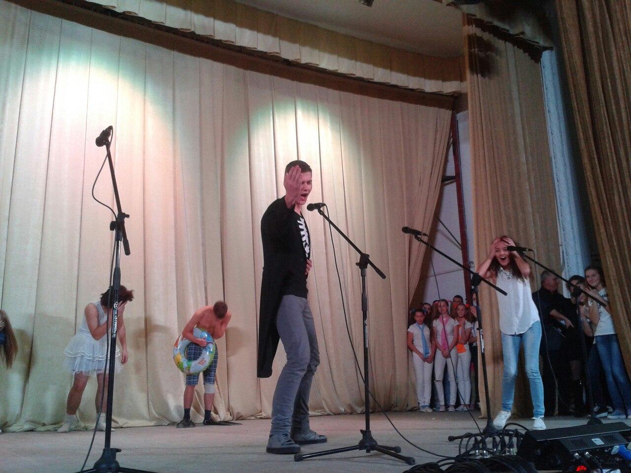 molodizhna-liga-smihu-04
