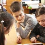 Золотоніських дітей навчають англійської волонтери Корпусу Миру [ФОТО]