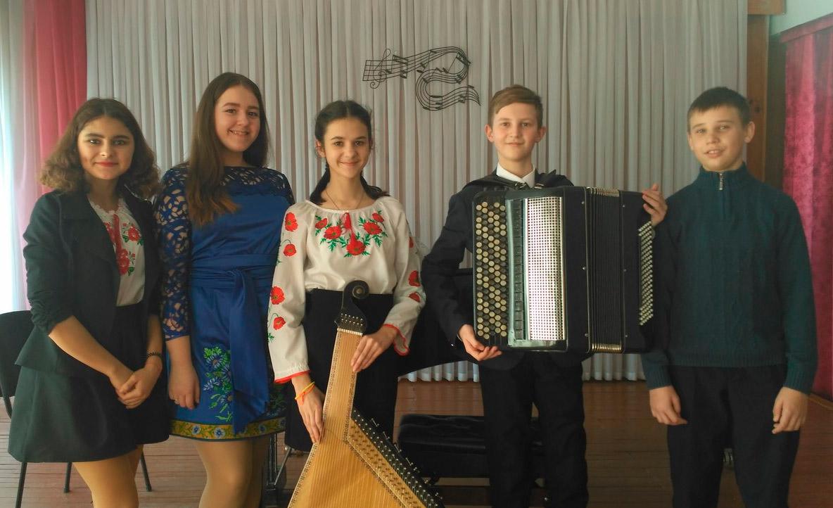золотоніська-дитяча-музична-школа